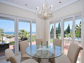 Elegant dining at Casa la Colina, Estepona holiday villa