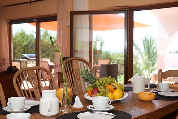 villa jasmine spanish holiday villa for rent in estepona. Black Bedroom Furniture Sets. Home Design Ideas